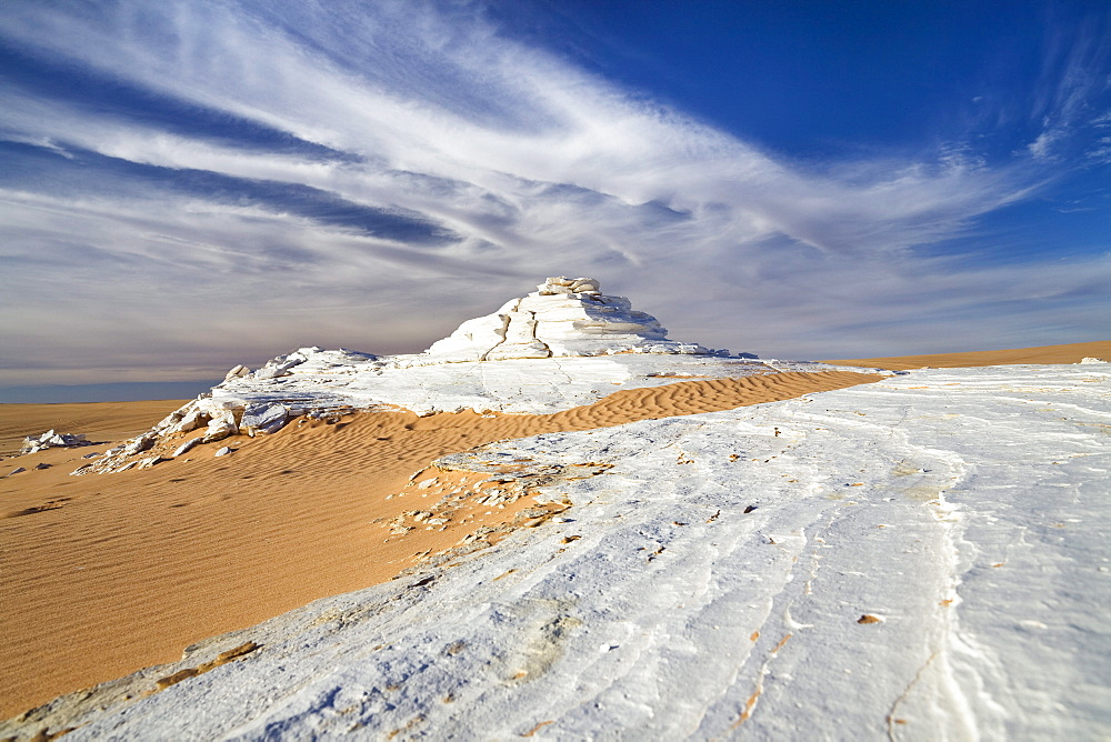 Gypsum in sanddunes, Erg Murzuk, libyan desert, Libya, Sahara, North Africa
