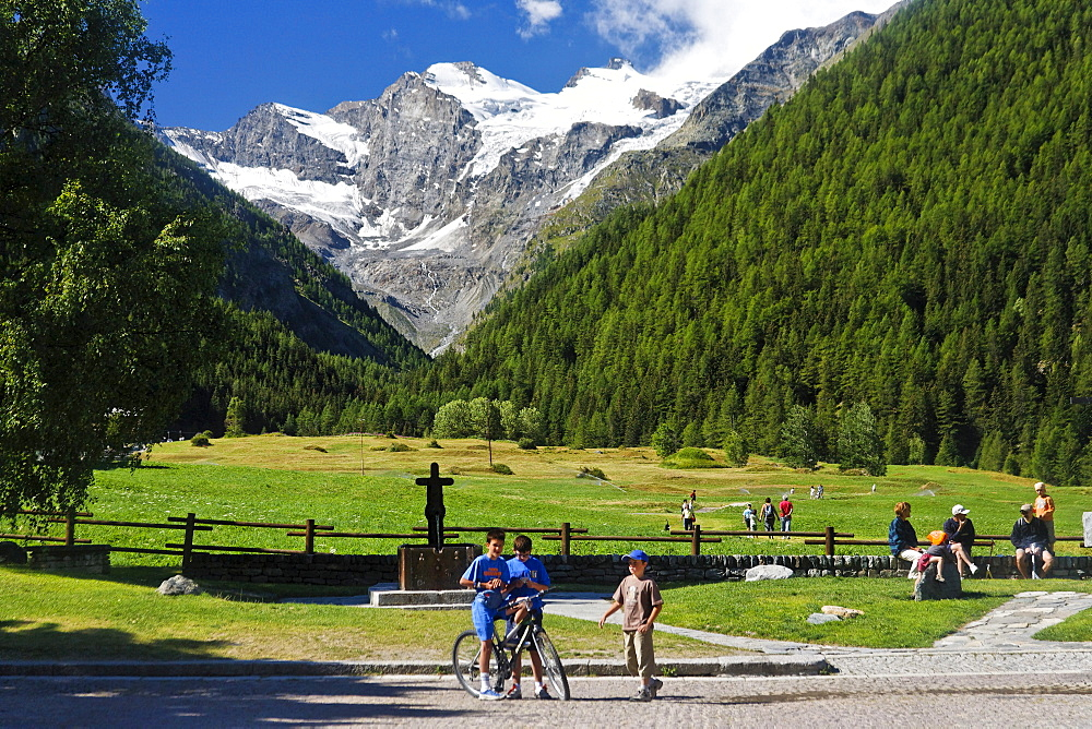 Valley of Valnontey and Gran Paradiso, Cogne, Gran Paradiso National Park, Aosta valley, Italy