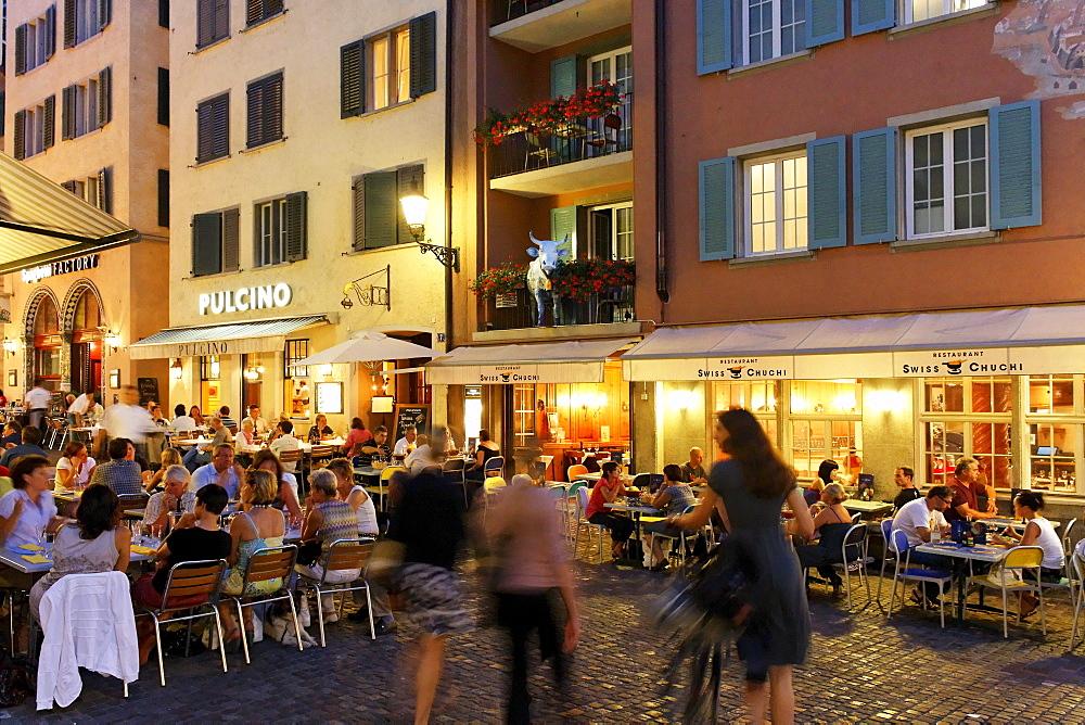 Switzerland, Zurich, Niederdorf, people, restaurants in summer, outdoor
