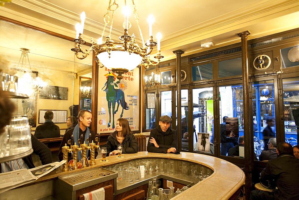 People at the cafe Le Petit Fer a Cheval, Marais District, Paris, France, Europe