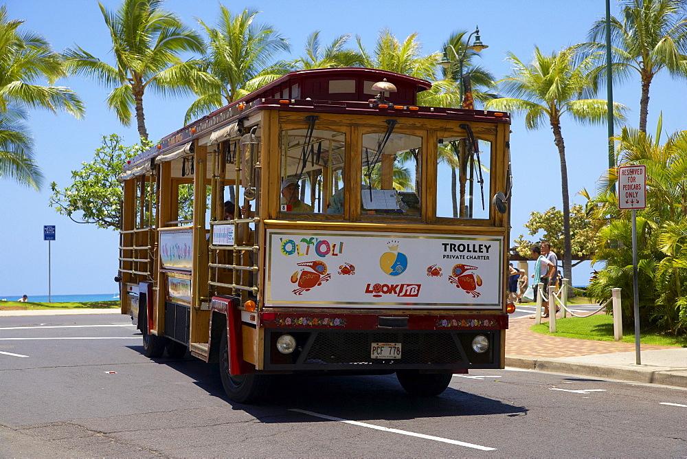 Trolley at Waikiki Beach, Honolulu, Oahu, Hawaii, USA, America