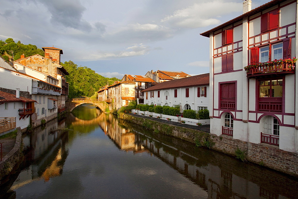 Saint-Jean-Pied-de Port, Camino Frances, Way of St. James, Camino de Santiago, pilgrims way, UNESCO World Heritage Site, European Cultural Route, Pyrenees Atlantiques, Suedfrankreich, Frankreich, Europe
