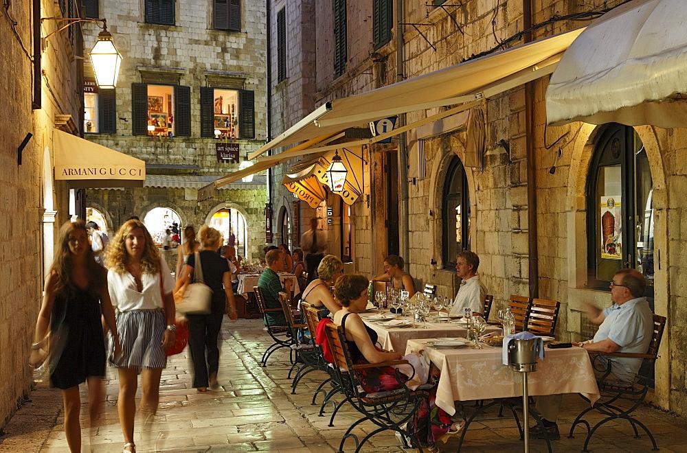 Guests in restaurant Proto in old town in the evening, Dubrovnik, Dubrovnik-Neretva county, Dolmatia, Croatia