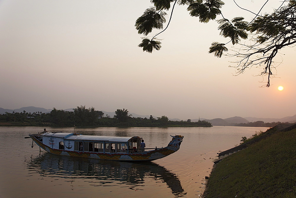 Dragon boat at Perfume River in the evening, Hue, Trung Bo, Vietnam