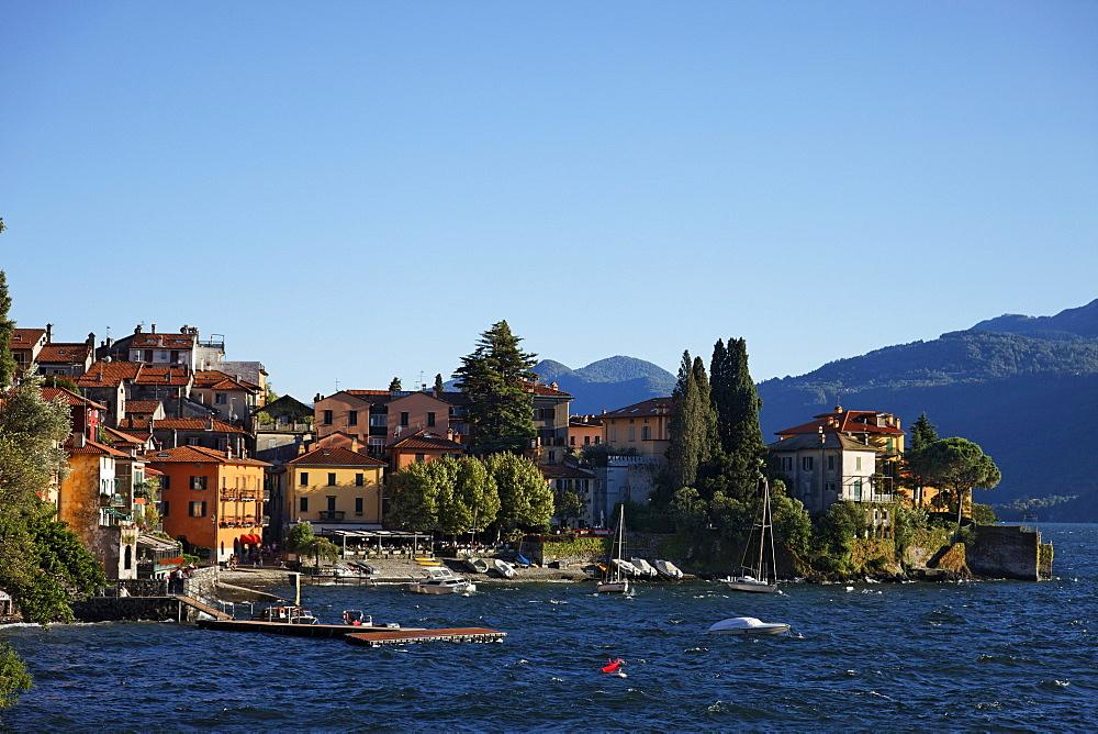 Promenade, Varenna, Lake Como, Lombardy, Italy