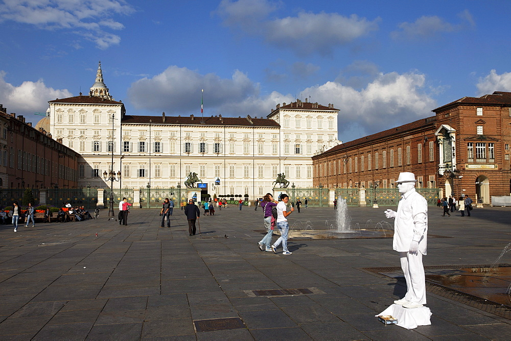 Artist, Palazzo Reale, Piazza Castello, Turin, Piedmont, Italy