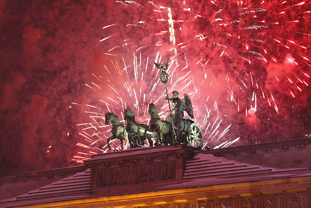 Quadriga on New Years Eve at Brandenburg Gate, Berlin, Germany, Europe