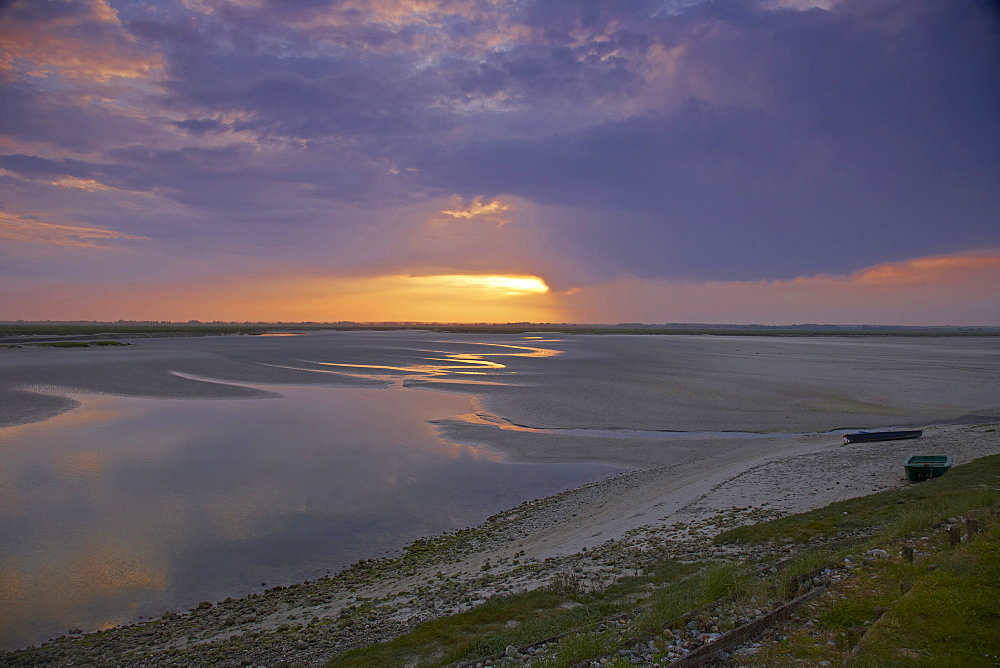 Early morning at the Baie de Somme at Saint-Valery-sur-Somme, Dept. Somme, Picardie, France, Europe