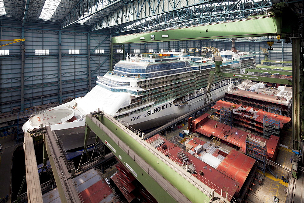 Cruiser under construction in dry dock, Meyer Werft, Papenburg, Lower Saxony, Germany - 1113-47279