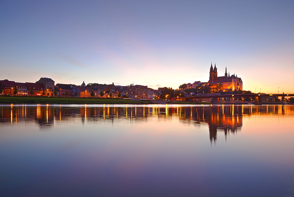 View over the Elbe river to Albrechts castle and cathedral in the evening, Meissen, Saxonia, Germany, Europe