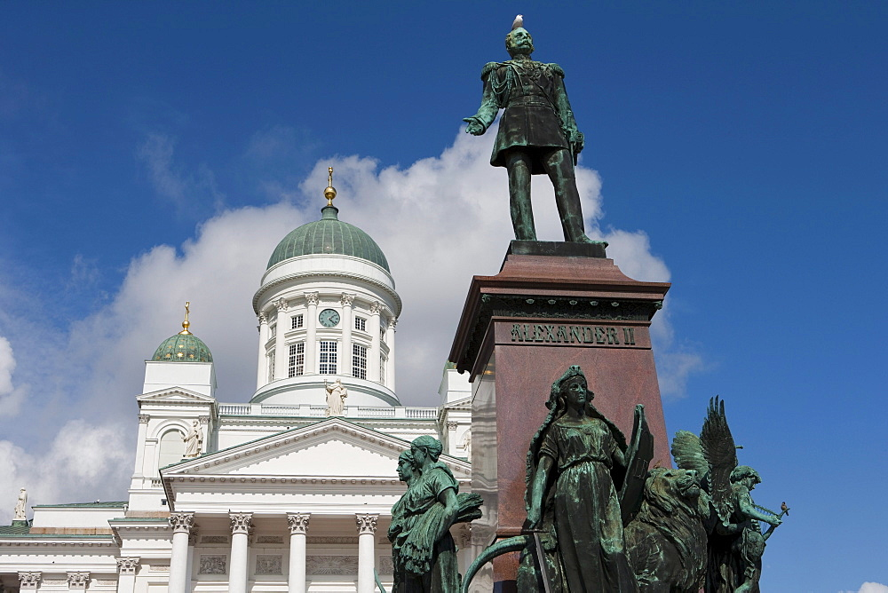 Statue of Alexander II with sea gull on head in front of Helsinki Cathedral, Helsinki, Southern Finland, Finland