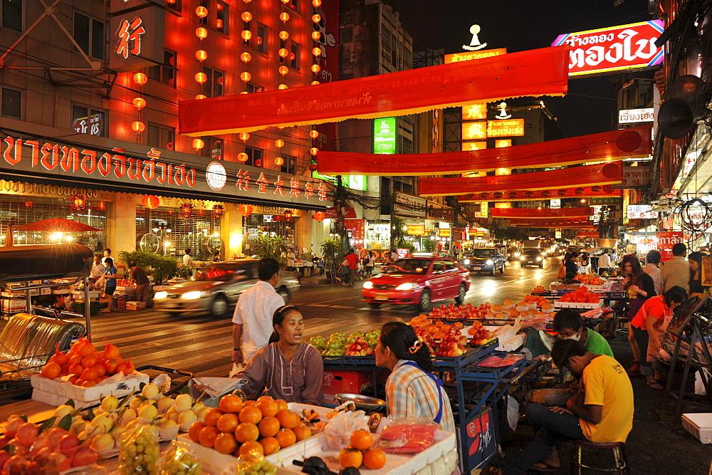 Food stalls selling fruits, Chinatown, Bangkok, Thailand, Asia