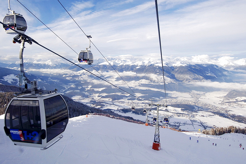 Cable car above ski slope, Plan de Corones, Bruneck, Val Pusteria, South Tyrol, Alto Adige, Italy, Europe