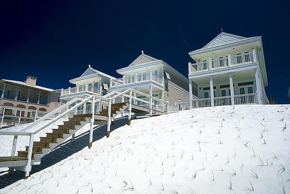 Holiday homes at the beach in the sunlight, Santa Rosa Island, Florida, USA, America