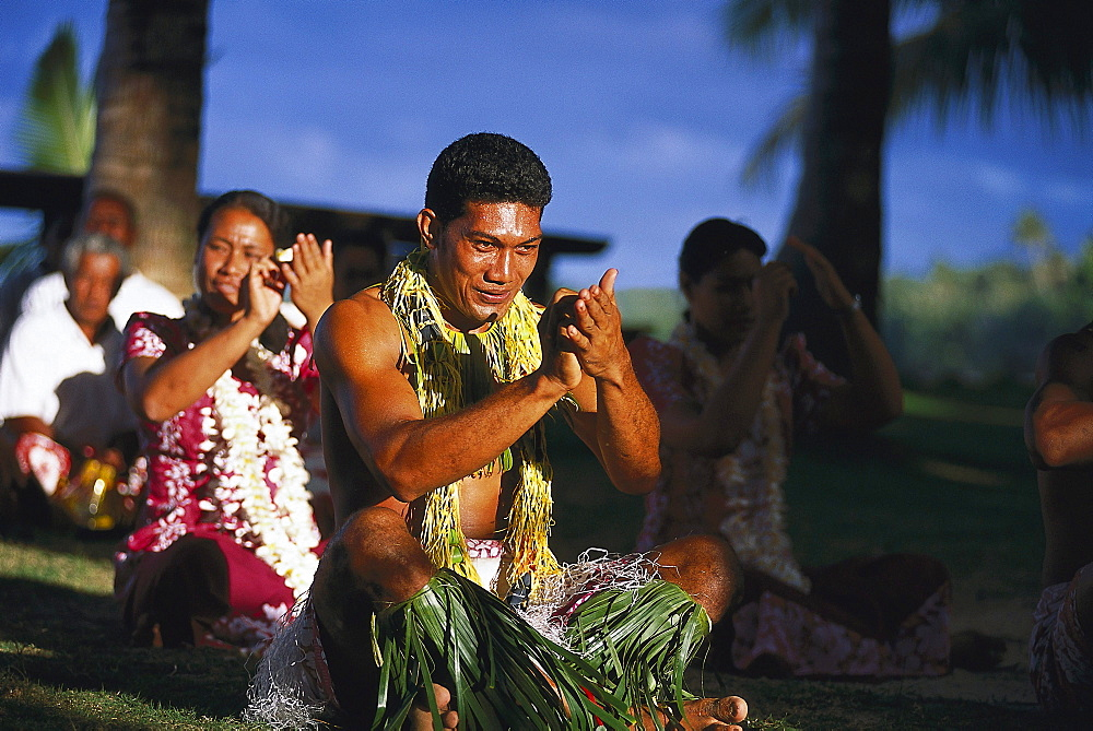 Folklore group on the beach, Fiafia, Manase Beach, Savai'i, Samoa, South Pacific