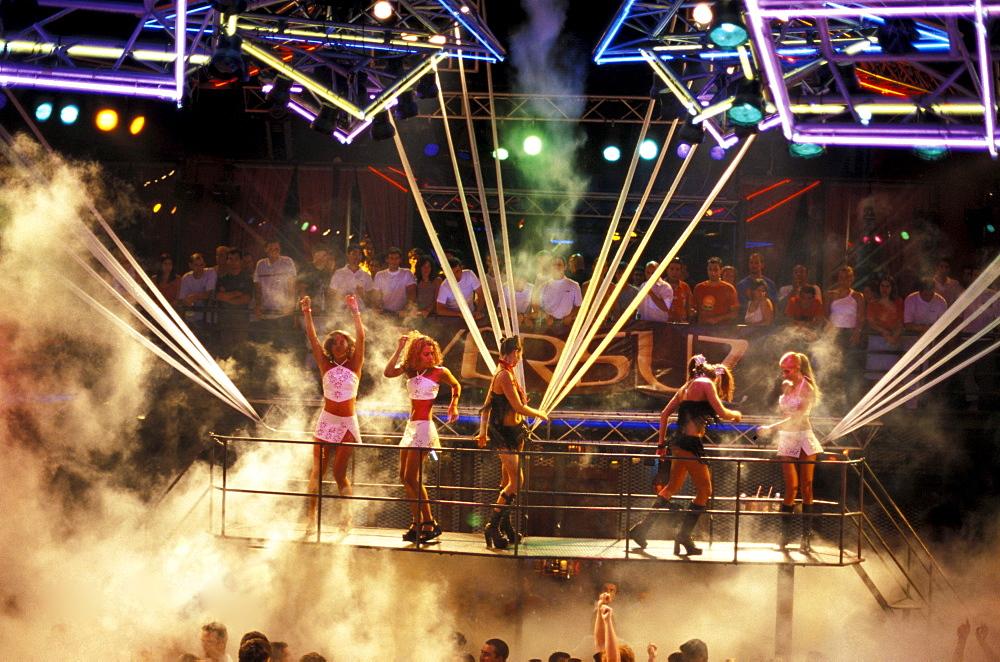 Dancers at Disco Kadoc, Vilamoura, Albufeira, Algarve, Portugal, Europe