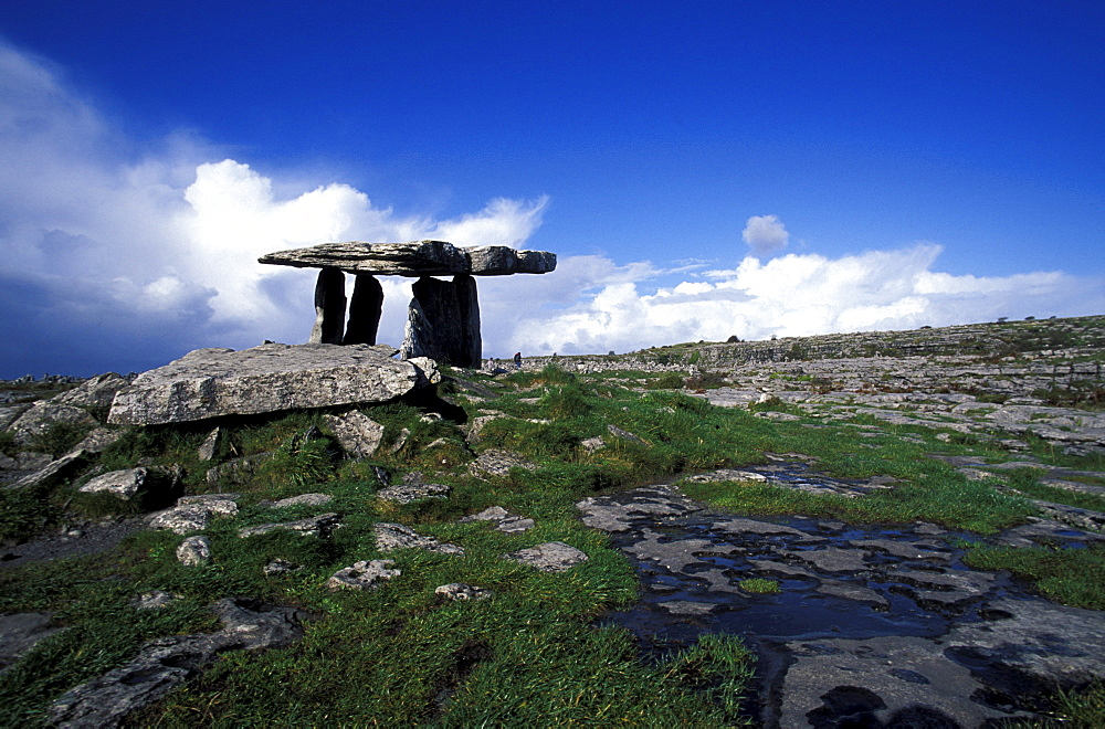 Poulnabrone Dolmen under blue sky, Burren, County Clare, Ireland, Europe