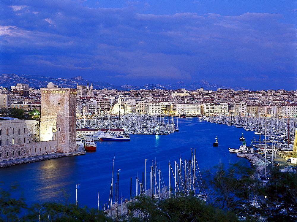 Vieux Port mit Fort St. Jean, Marseille, Provence, France