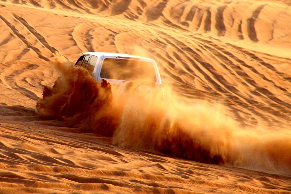 Jeep on a dune in the desert, Dubai, UAE, United Arab Emirates, Middle East, Asia
