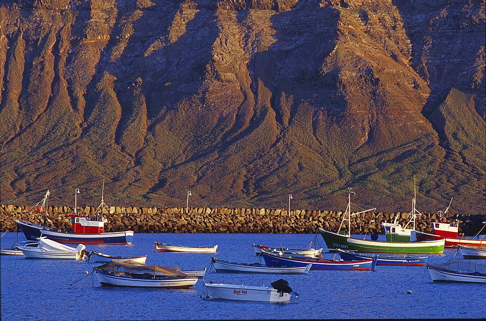 Famara cliffs of Lanzarote, view from Harbour, Caleta del Sebo, La Graciosa, Canary Islands, Spain