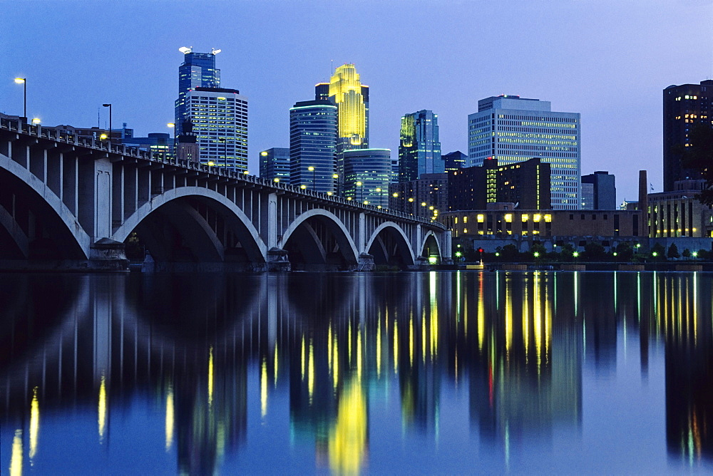 City by Night, Twin Cities, Minneapolis, Minnesota, USA