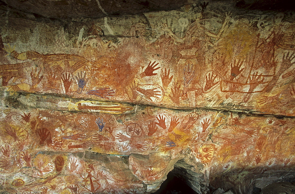 Rock paintings in the X-Ray style, Aboriginal art, Davidson Safaris, Aboriginal rock art galleries, Davidson Arnhemland Safaris, Northern Territory, Australia