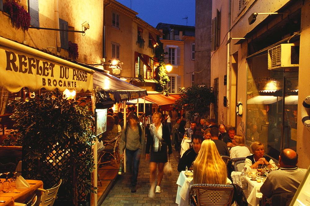 Restaurants in the Rue du Suquet, old town of Le Suquet, Cannes, Cote d¥Azur, France