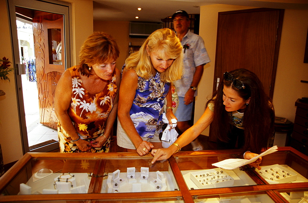 Women looking at jewellery in a Pearl Shop, Papeete, Tahiti, Windward Islands, French Polynesia, South Pacific