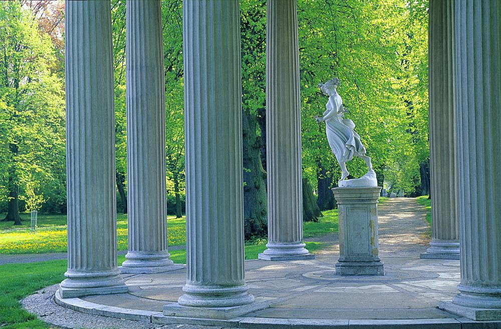 Europe, Germany, Mecklenburg-Western Pomerania, Neustrelitz, palace garden