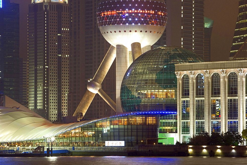 waterfront Pudong, Huangpu River, Pearl Orient Tower, congress centre