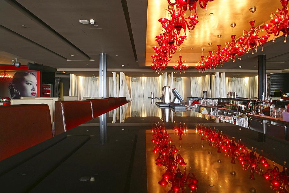 Bar Red, Bar Rouge, Luxury bar in 18, Design Bar