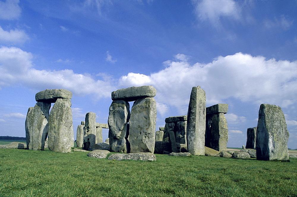 Prehistoric stone circle Stonehenge, Wiltshire, England00058458