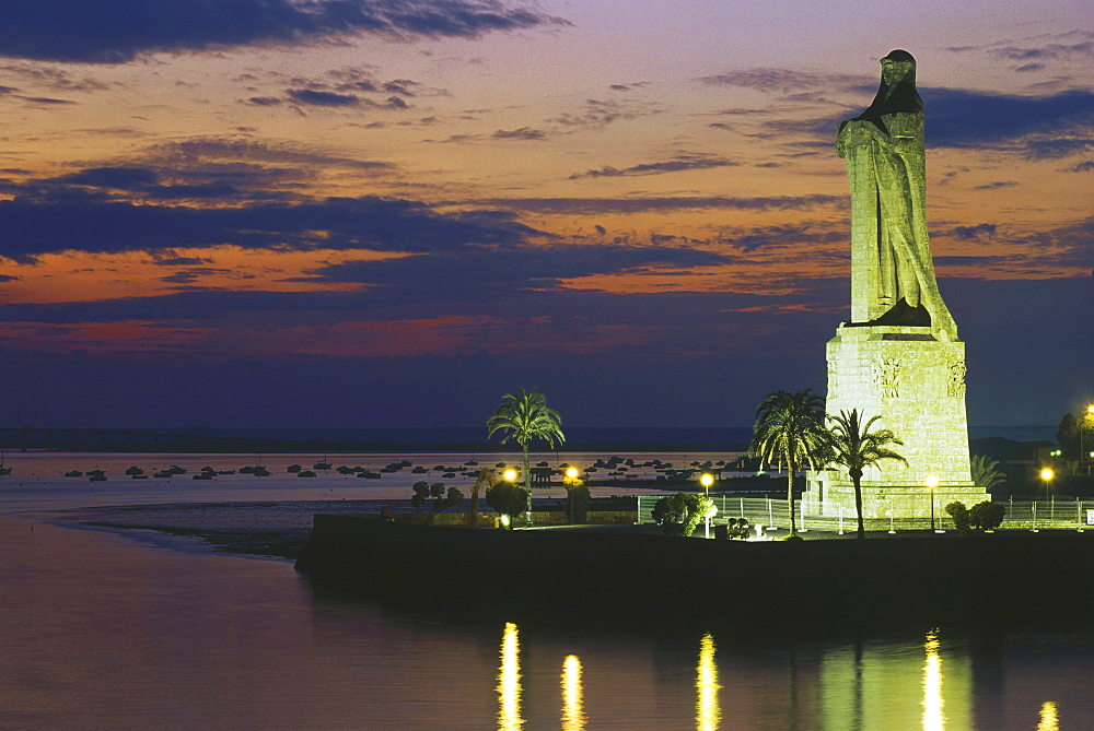 Monumental statue for Columbus, Rio Odiel, Rio Tinto, Huelva, Andalusia, Spain