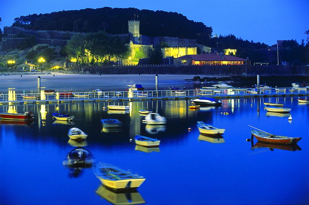 bour and castle, Hotel Parador, Baiona, Province Pontevedra, Galicia, Spain