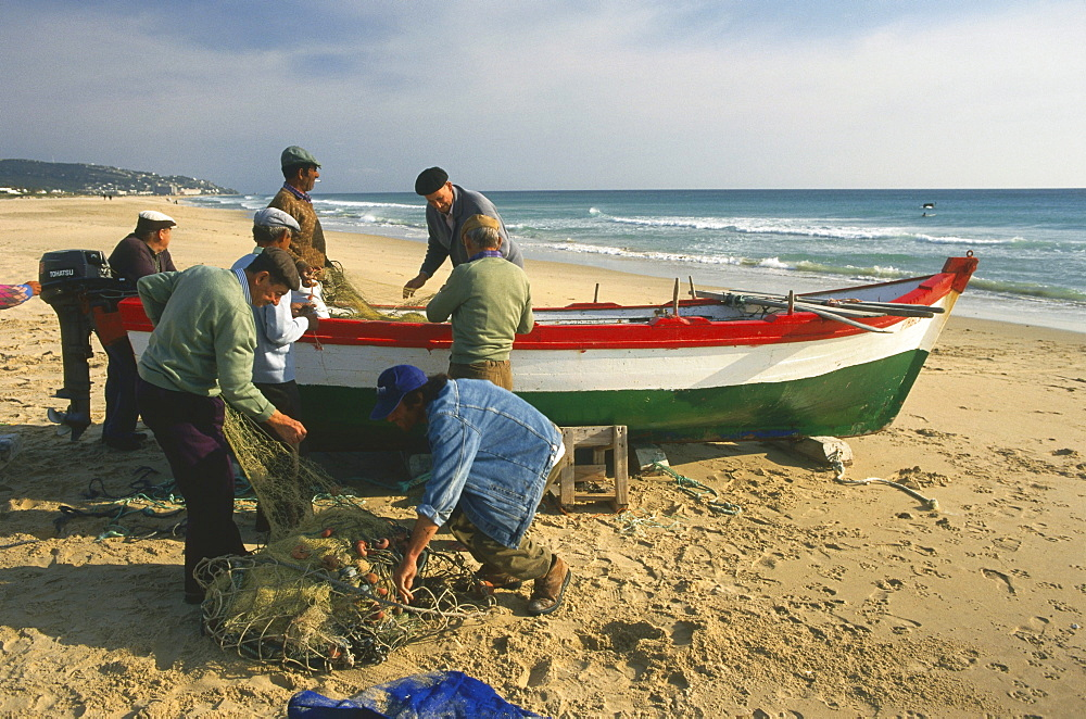 Fishermen, Zahara de los Atunes, near Tarifa, Costa de la Luz, Province Cadiz, Andalusia, Spain