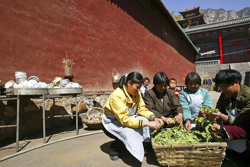 kitchen, outdoor, Shaolin monastery, known for Shaolin boxing, Taoist Buddhist mountain, Song Shan, Henan province, China, Asia