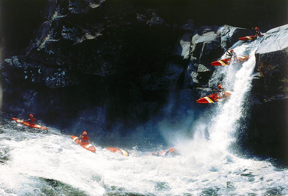 Kajaking on a river, Sport
