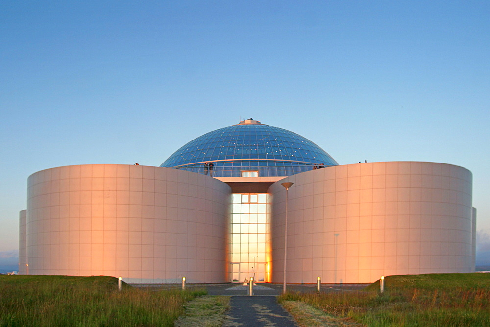 Iceland, Reykjavik, The pearl, Huge hot water tank on a hill - 1113-77372