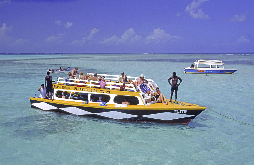 Boat, tourists, Tobago, Pigeon Point, Buccoo Coral Reef