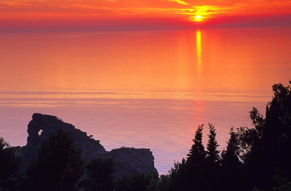 Europe, Spain, Majorca, eastern coast. Sunset