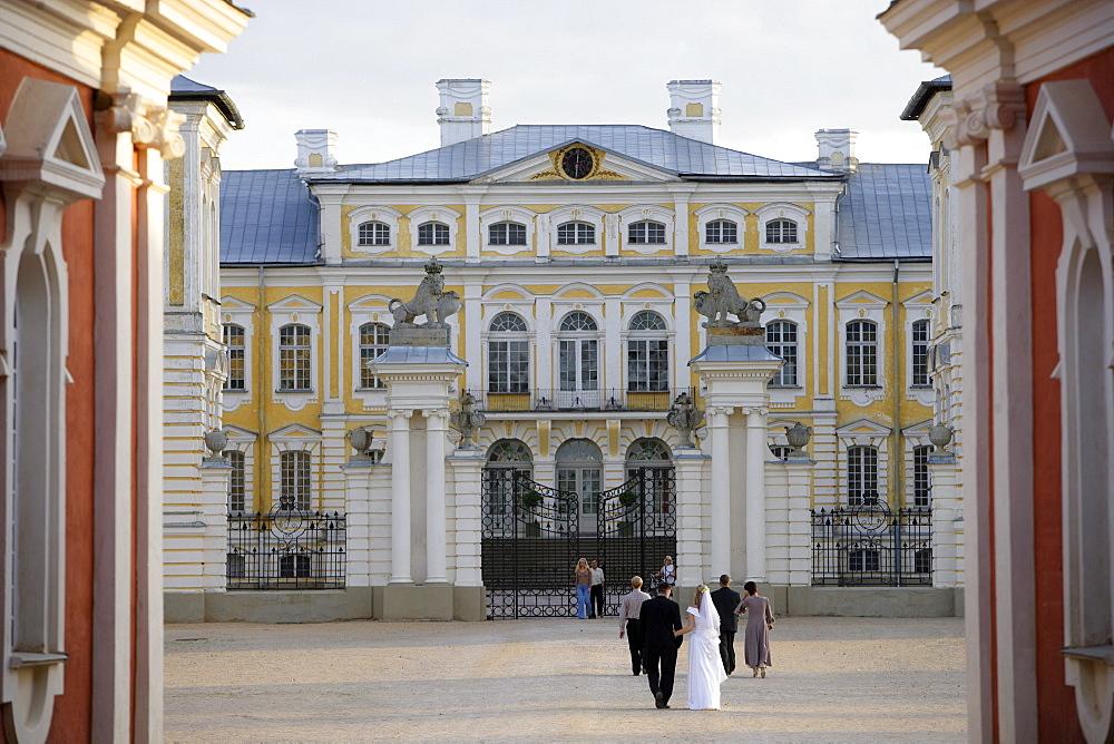 Rundaele, palace