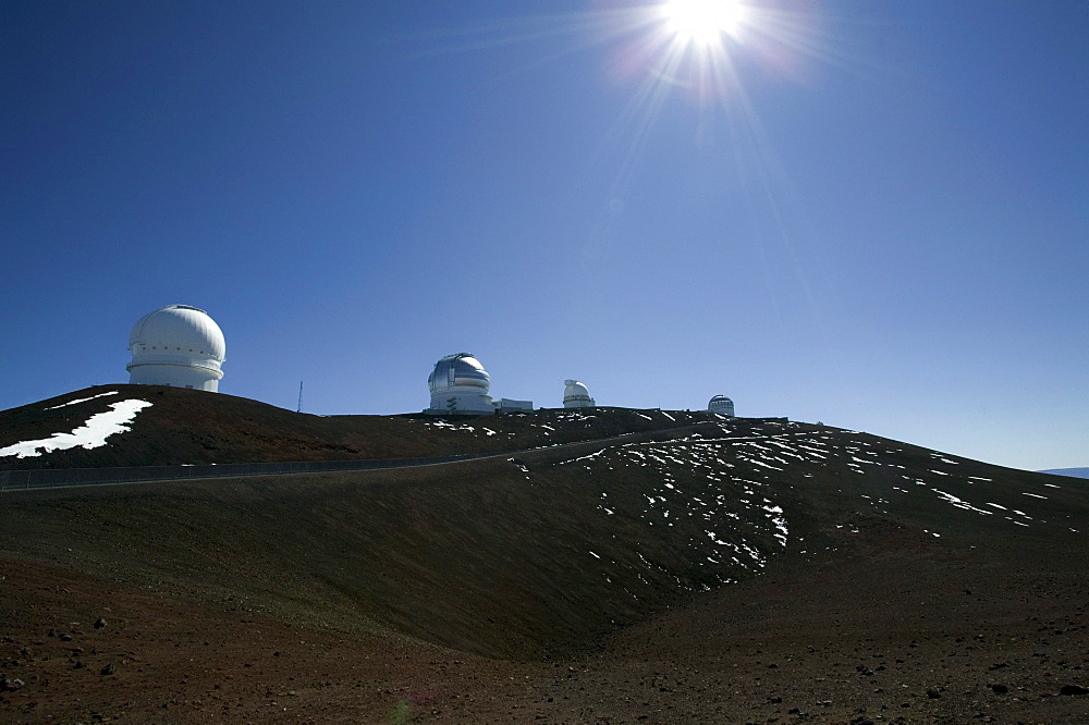 USA, Hawaii, Big Island, Mauna Kea, volcano, observatory, telescope, space, snow, back light