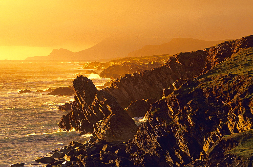 Europe, Great Britain, Ireland, Co. Mayo, Achill Island, coastal landscape at sunset
