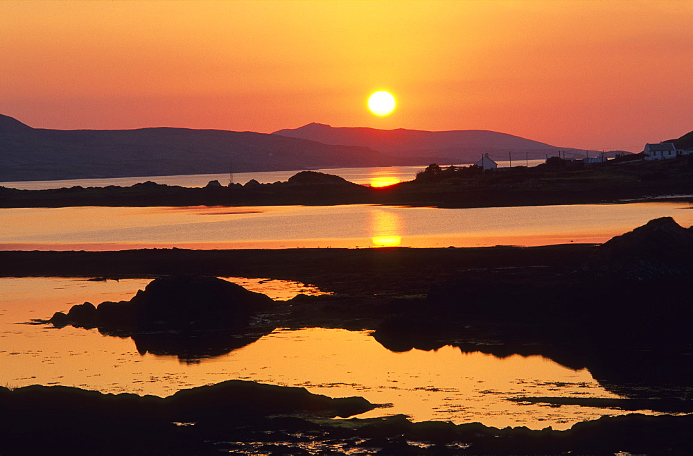Europe, Great Britain, Ireland, Co. Galway, Connemara, Cashleen Bay