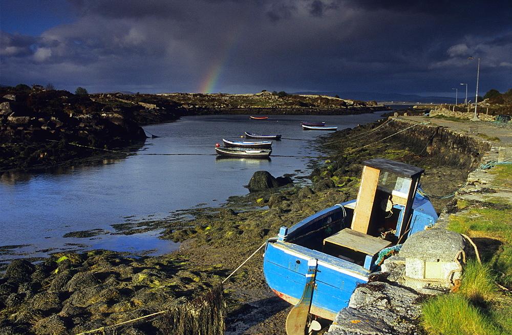 Landscape near Carna at low tide, Connemara, Co. Galway, Ireland, Europe