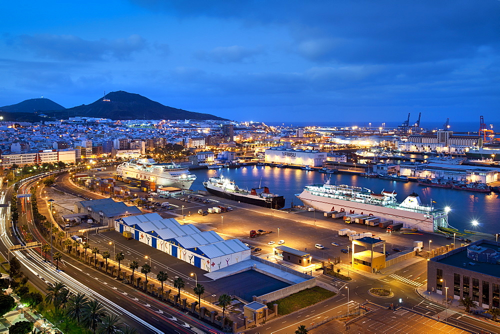 The illuminated harbour in the evening, Puerto de la Luz, Las Palmas, Gran Canaria, Canary Islands, Spain, Europe