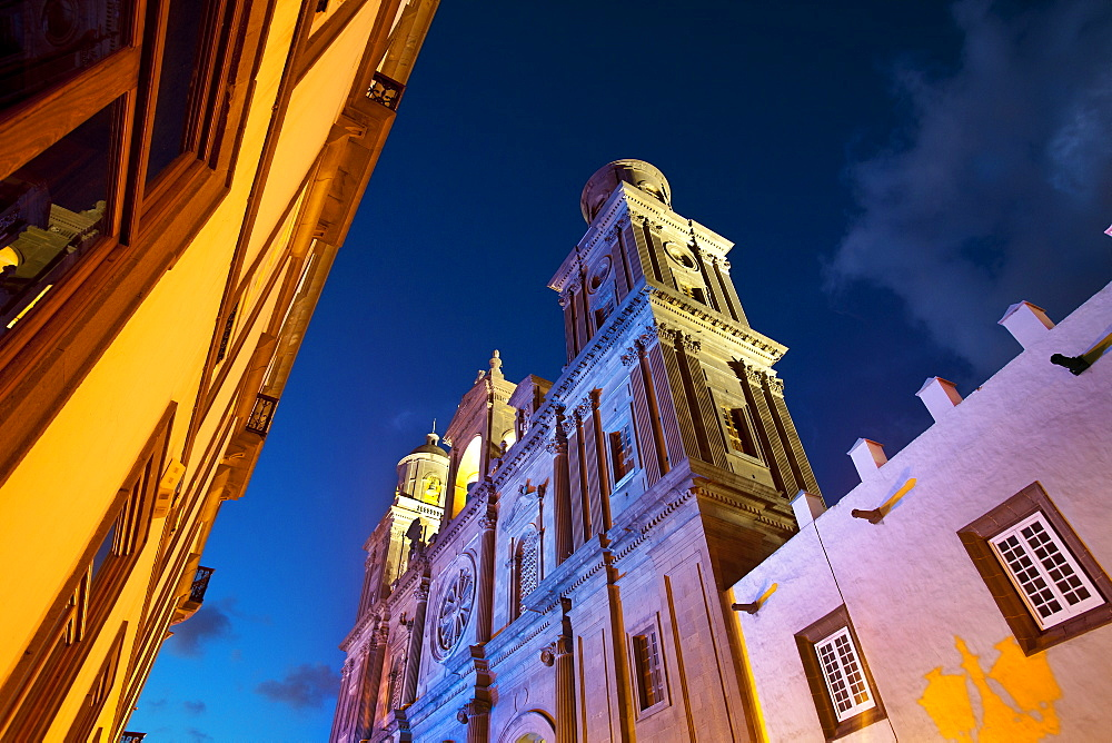 The cathedral Santa Ana at the old town in the evening, Vegueta, Las Palmas, Gran Canaria, Canary Islands, Spain, Europe