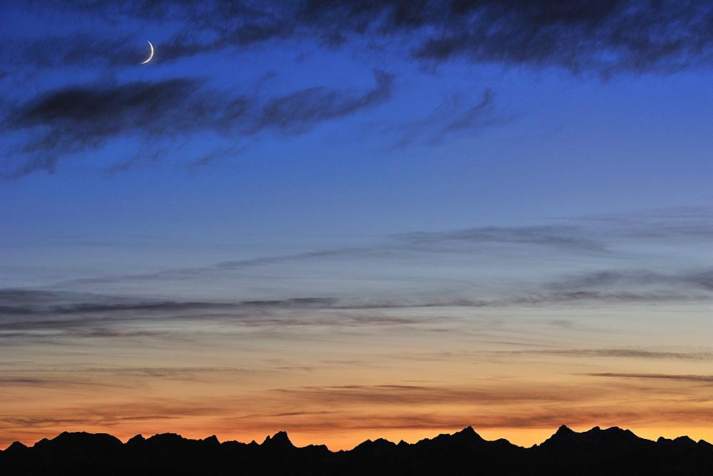 Karwendel range in front of the evening sky, Risserkogel, Bavarian Foothills, Upper Bavaria, Bavaria, Germany