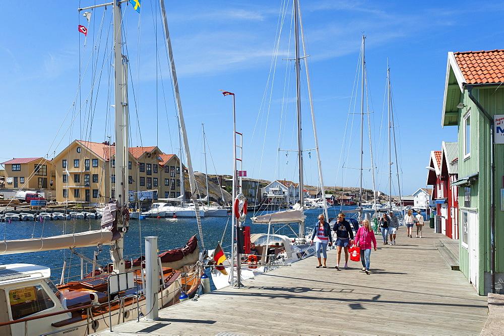 People at the harbour of Smogen, Smogen, Bohuslan, Vastra Gotalands lan, Sweden, Europe