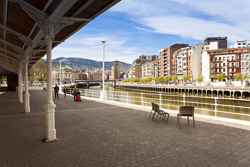 Old town of Bilbao with river Nervion, Paseo del Arenal, Bilbao, Basque Country, Spain